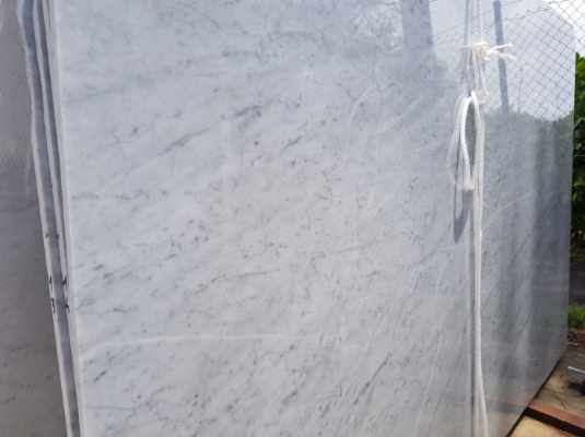 Marble - Bianco Carrara Large Slabs close up