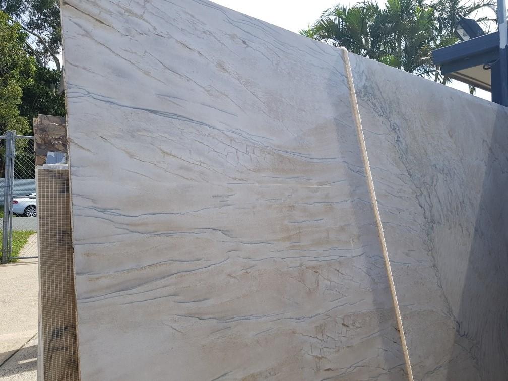 Quartzite - Double Brown close up
